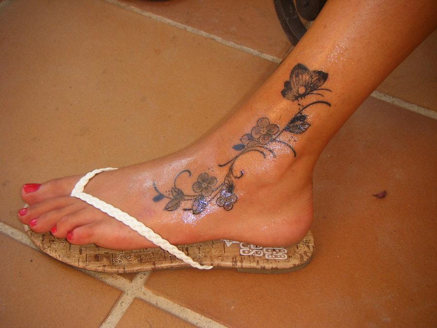 efb7b6466b1c Feet Tattoos