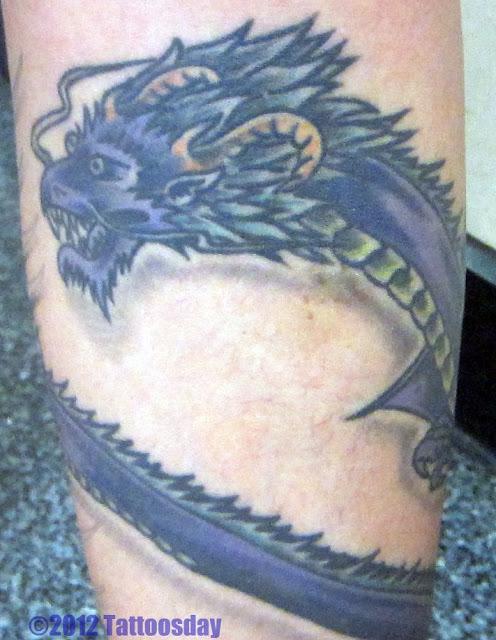 Snake Wrapped Around Thigh Tattoo: Wrap Around Tattoos